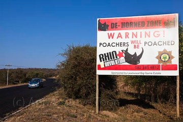 ACPP44  Sign to deter poachers